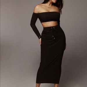 Jluxlabel blk Ribbed off the shoulder skirt set -S
